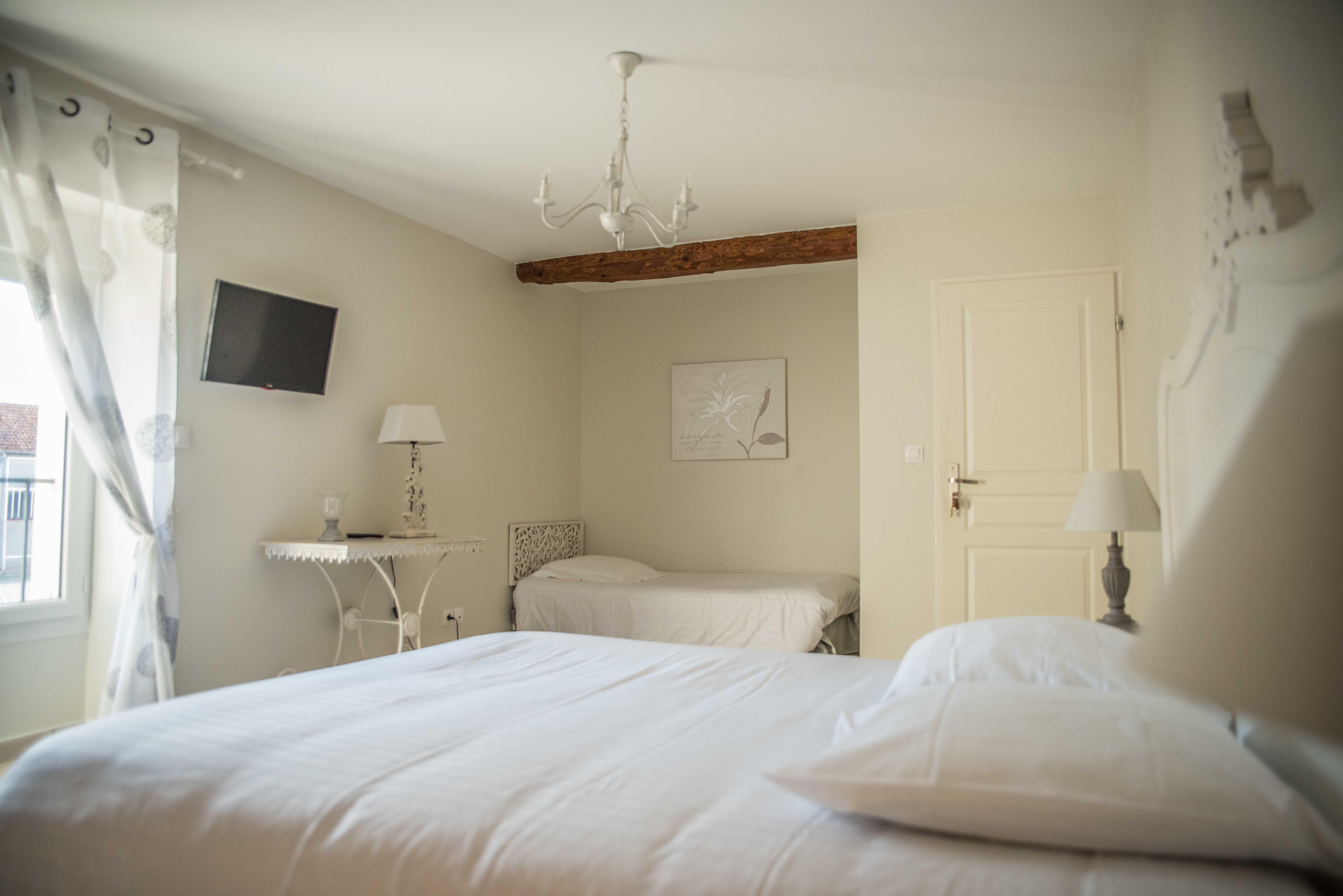 ferme de villeray chambres d h tes et salle de r ceptions essonne s nart. Black Bedroom Furniture Sets. Home Design Ideas